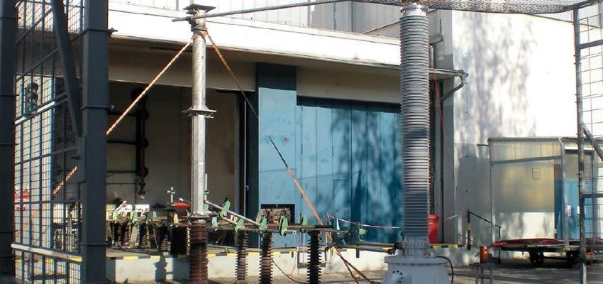 Internal arc testing of transformer bushings